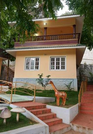 Aruvi Resorts