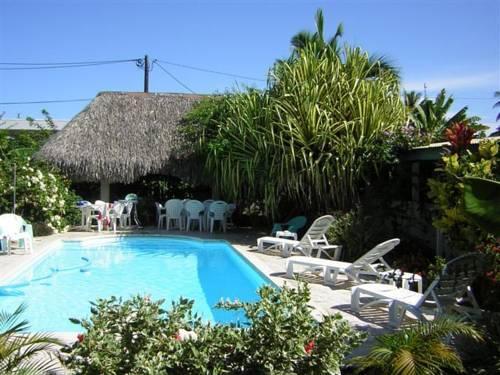 Pension de la plage tahiti punaauia comparez les offres for Chambre 13 tahiti plage