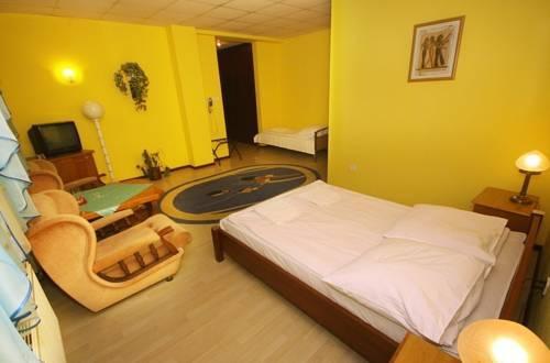 Hotel baltazar pultusk compare deals for Baltazar hotel
