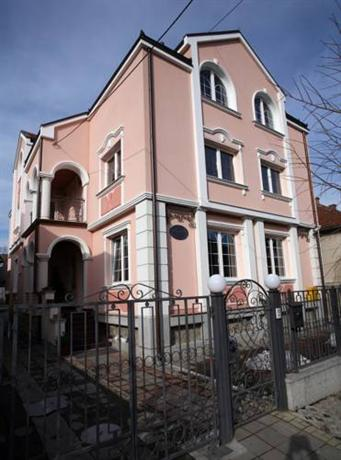 Adult Guide in Kragujevac