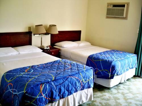 hotel casa berlin san salvador compare deals. Black Bedroom Furniture Sets. Home Design Ideas