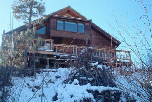Streamside Vacation Cabin Rental in Beautiful Garden Valley Idaho