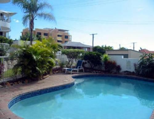 Estoril on Moffat Apartments Caloundra