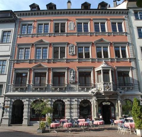 Hotel Restaurant Bar Zum Sittich