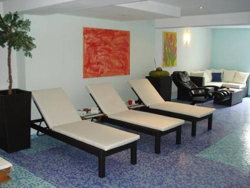 hotel heddernheimer hof frankfurt am main die g nstigsten angebote. Black Bedroom Furniture Sets. Home Design Ideas