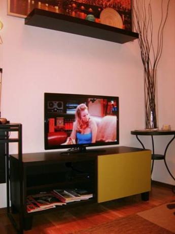 Koln-Sud Apartment, Cologne - Compare Deals