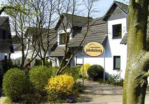 jakobsberg dating site Explore world landmarks, discover natural wonders, and step inside locations such as museums, arenas, parks and transport hubs.