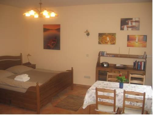 casa bonita berlin compare deals. Black Bedroom Furniture Sets. Home Design Ideas