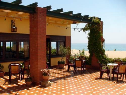 Hotel rocatel canet de mar compare deals for Piscina canet de mar
