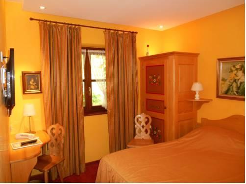hotel saint martin colmar compare deals. Black Bedroom Furniture Sets. Home Design Ideas