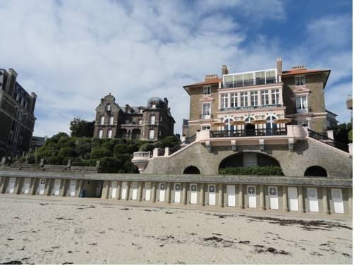 Villa reine hortense hotel dinard compare deals for Hotels dinard