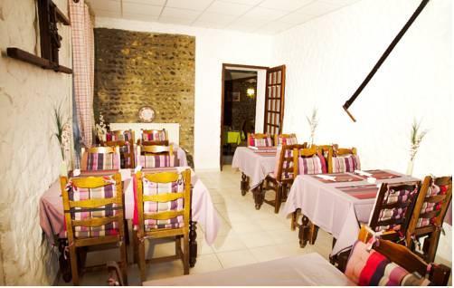 Hotel Restaurant Au Feu de Bois, Amou Compare Deals # Restaurant Feu De Bois