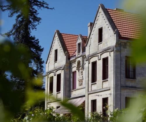 Chateau lavergne dulong chambres d 39 hotes montussan compare deals - Chambres d hotes chateau ...