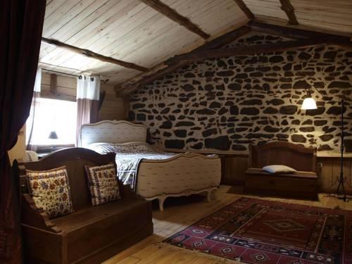 notre bergerie la chaise dieu compare deals. Black Bedroom Furniture Sets. Home Design Ideas