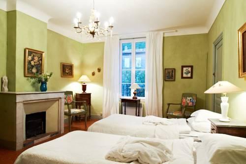 azur belle chambre la garde freinet compare deals. Black Bedroom Furniture Sets. Home Design Ideas