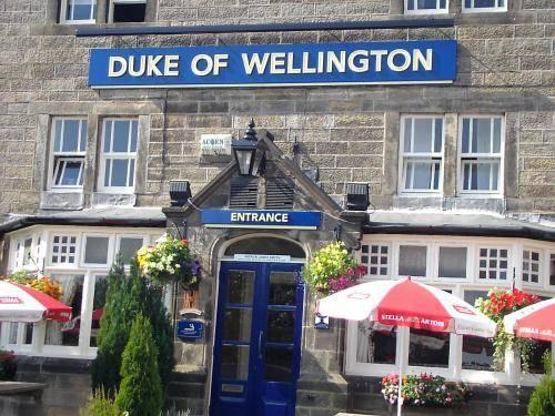 duke of wellington inn matlock compare deals. Black Bedroom Furniture Sets. Home Design Ideas