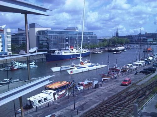 Hotels Near Bristol Harbourside