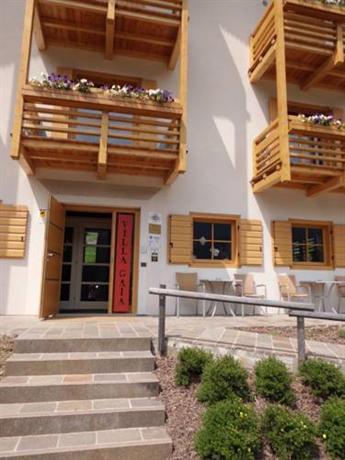 Villa gaia valle di cadore compare deals for Villas gaia