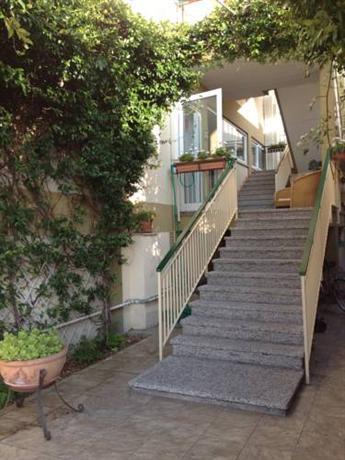 Meuble tripoli grado offerte in corso for Hotel serena meuble grado