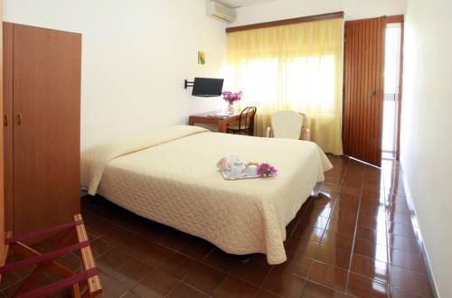 Hotel sereno soggiorno salesiano vico equense compare deals for Hotel soggiorno salesiano