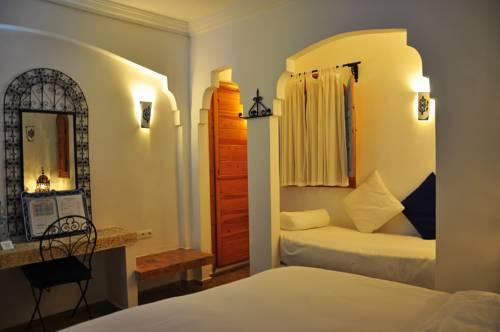 Al alba asilah compare deals for Al alba jardin hotel