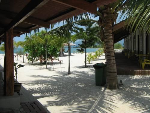 Senari Bay Resort Pantai Cenang Compare Deals
