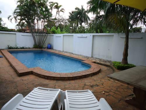 Casa jardin hotel asuncion compare deals for Casa jardin hotel