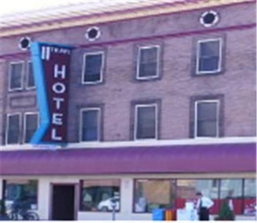 11th Avenue Hotel & Hostel