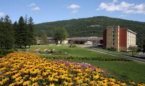 Honor's Haven Resort & Spa, Ellenville - Compare Deals