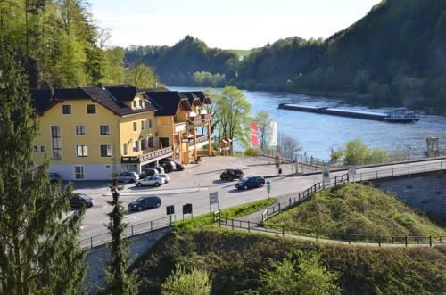 Gasthof Zur Donaubrucke Froschauer