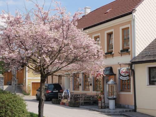 Zur Kirche Gasthof Kottes-Purk