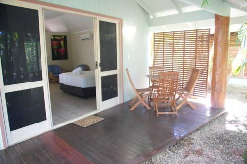 eco village resort mission beach compare deals. Black Bedroom Furniture Sets. Home Design Ideas