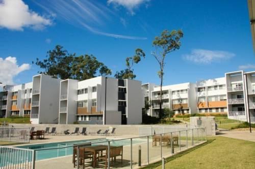 Griffith university village gold coast compare deals for Griffith university gold coast swimming pool