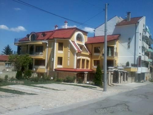 Hotel Rai Shumen