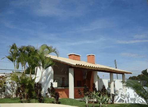 Hotel toulon park residence caldas novas compare deals for Hotels toulon
