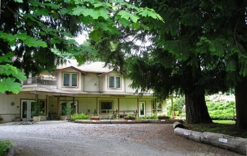 Cedar Wood Lodge