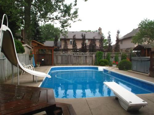 Twin Lakes Bed And Breakfast Sarnia