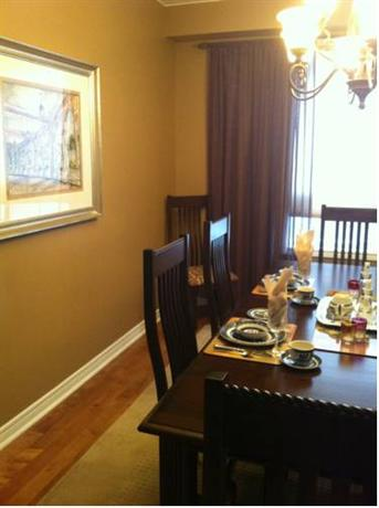 Hudson Cuddles Bed And Breakfast Port Perry On