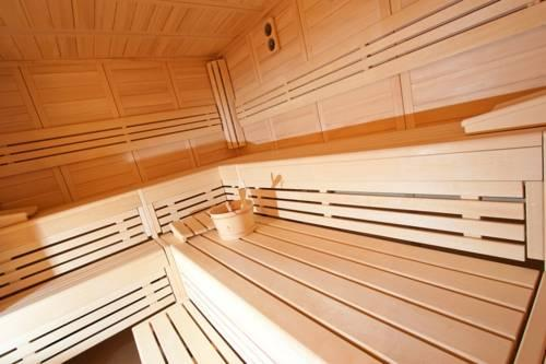 romantik zum stern bad hersfeld compare deals. Black Bedroom Furniture Sets. Home Design Ideas