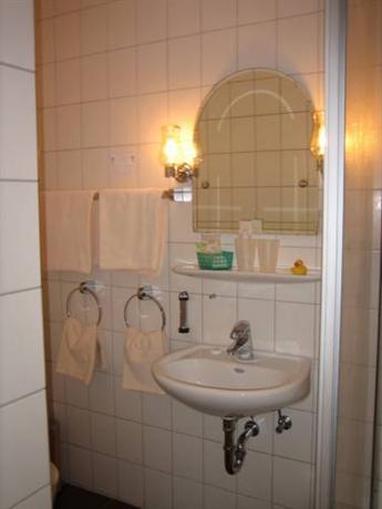 gastehaus am kamin bad zwischenahn compare deals. Black Bedroom Furniture Sets. Home Design Ideas