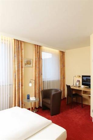 Comfort garni hotel stadt bremen bielefeld compare deals for Hotel bremen bielefeld