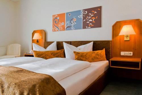 Landhotel Rugheim, Hofheim  Compare Deals. Perun Lodge Hotel. Vienna Hotel Chaoyang Road. Artist Cottage Ogishi Craft Centre. Stein Hotel. Grand De Cala Rossa Hotel. Aloft Bolingbrook Hotel. A Woodsy House. Star Island Resort