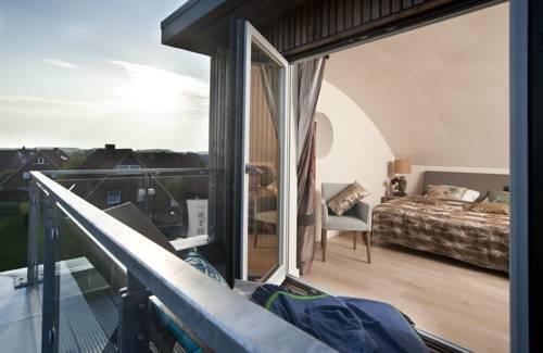 hotel strand am k nigshafen list die g nstigsten angebote. Black Bedroom Furniture Sets. Home Design Ideas