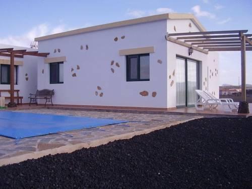 Villas la fuentita fuerteventura tuineje compare deals for Villas fuerteventura