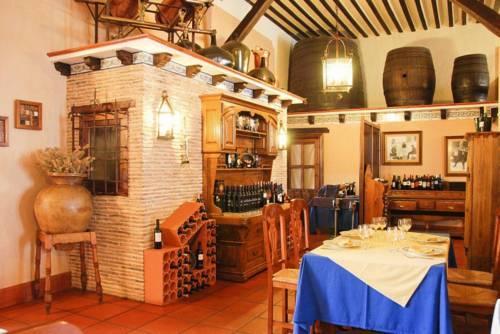 Hotel bodega la venta casas de los pinos compare deals for Hotel la bodega