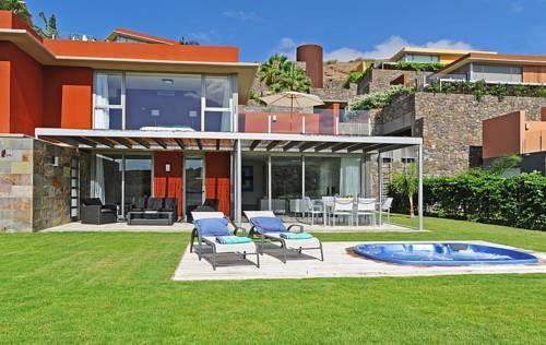Salobre villas vista golf maspalomas compare deals for Villas salobre golf