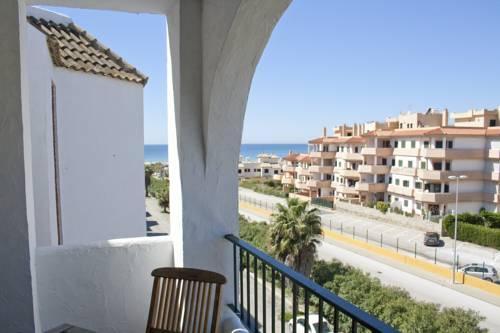 Apartamentos puerto zahara tarifa atlanterra compare deals - Tarifa apartamentos baratos ...