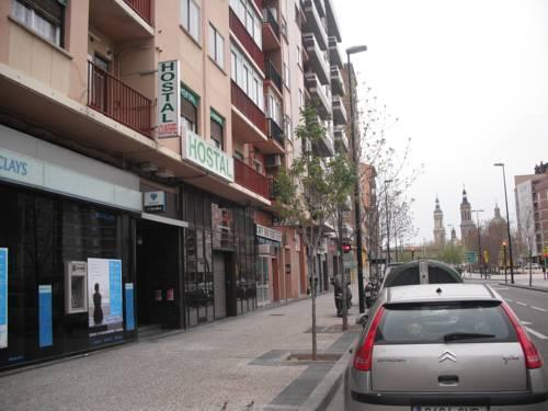 Hostal cumbre zaragoza compare deals for Hostal zaragoza