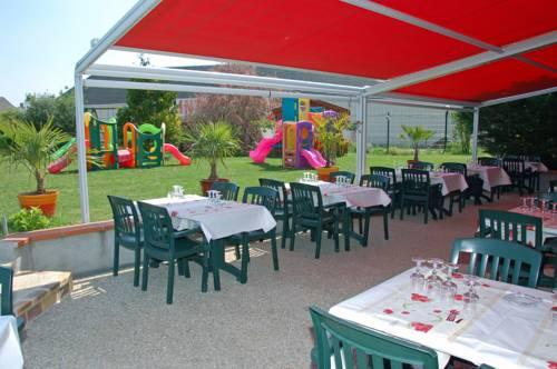 As 39 appart meuble artenay compare deals for Appart hotel chartres