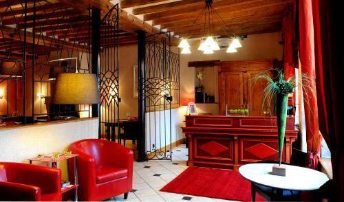 La maison d 39 a cote montlivault compare deals for Ashoka ala maison